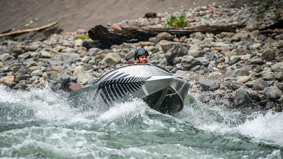 Här kör Båtnytt jetbåt i Nya Zeelands brantaste flod