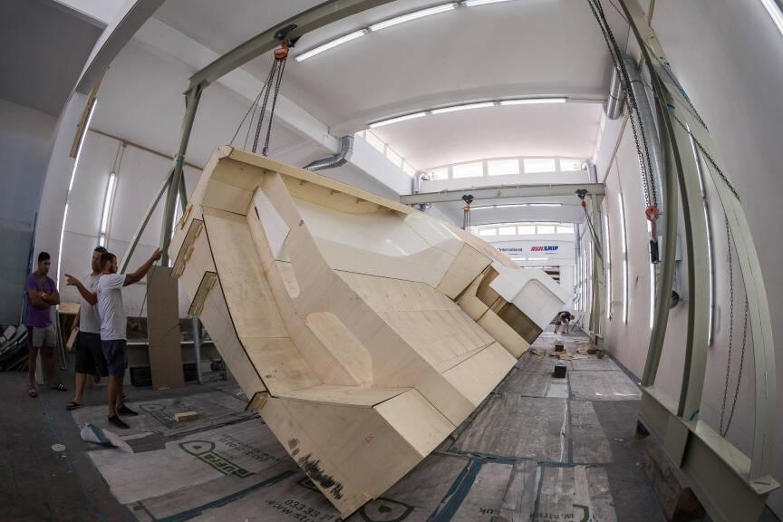 Nu byggs nästa generation VOR-båtar – men tiden är knapp