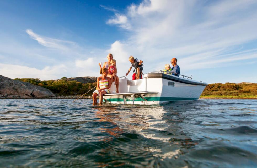 TV: Vi kollar in en glidare byggd för bad, fiske och transport