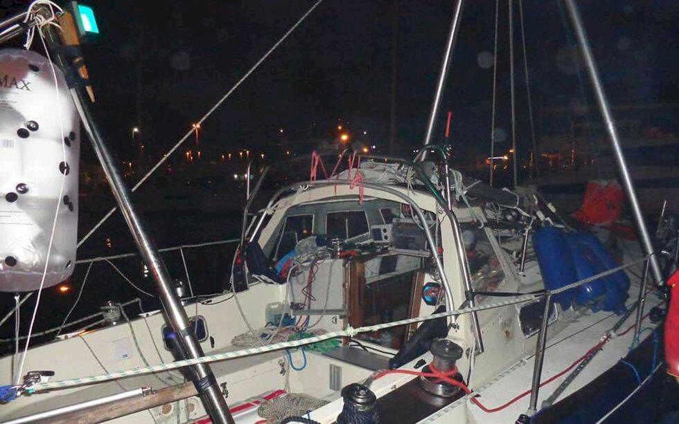 I hamn efter kapsejsning i södra oceanen – seglade 400 sjömil med nödrigg