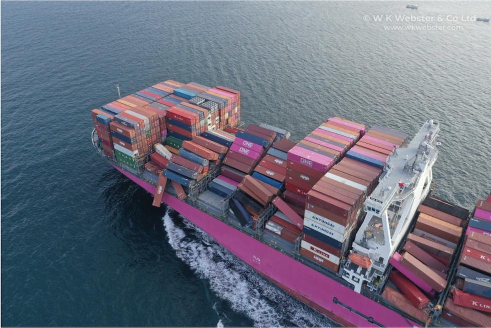 BILDER: Se containerkaoset på ONE Apus