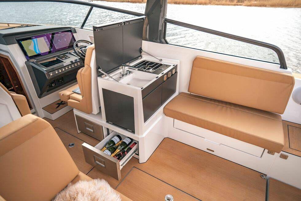 Läcker motorbåt från X-Yachts