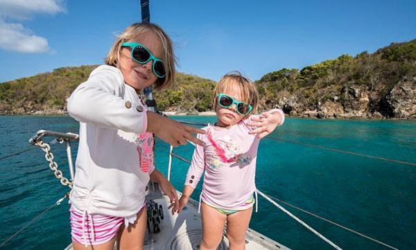 Underbara bilder: Barnen som växer upp på en båt