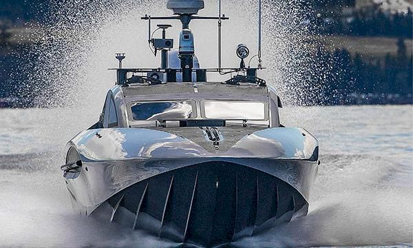 TV: Båten som gör 90 knop – utan förare