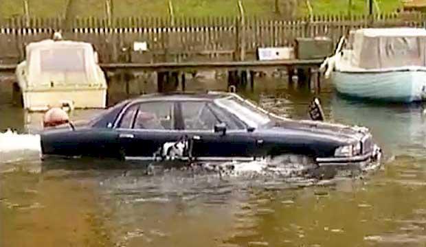 TV: Här bygger de en båt av en fet Buick