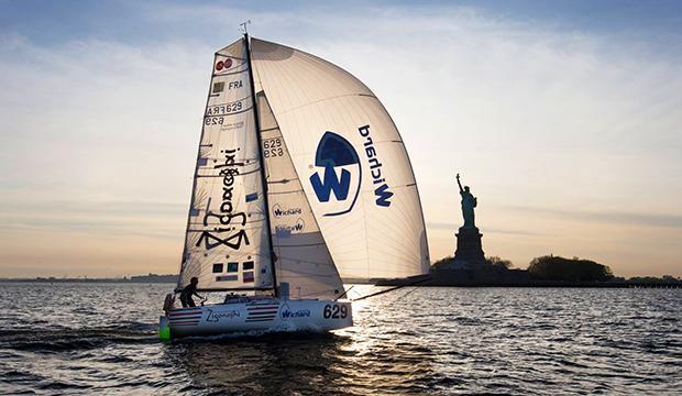 TV: Soloseglare räddad på Atlanten – båten sjönk som en sten
