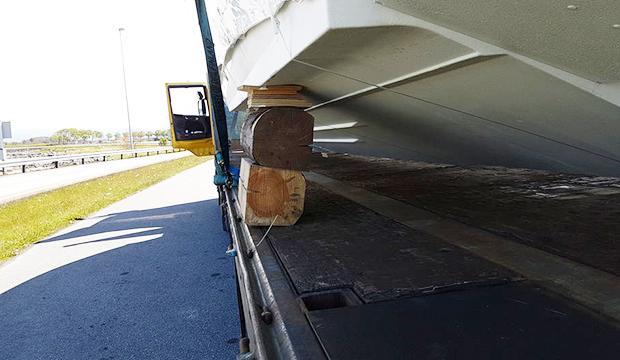 Så här ska du absolut inte transportera din båt