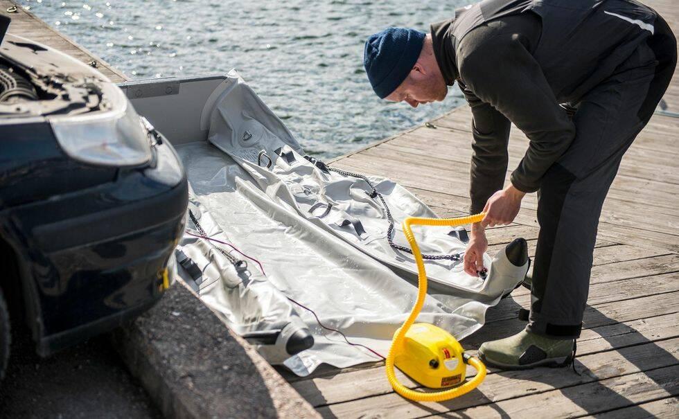 Vi testar roliga gummibåten Takacat