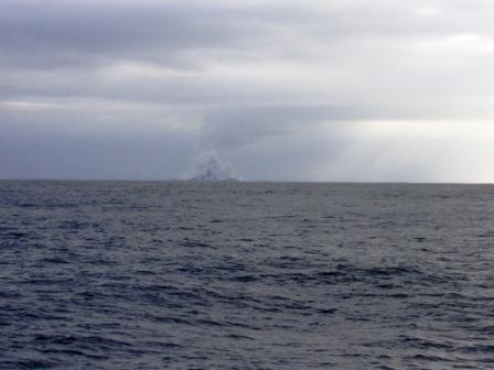 Bilder: De såg en ö bli till – mitt i Stilla havet