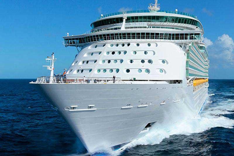 Möt 65-åringen som har levt ombord på kryssningsfartyg – i 20 år