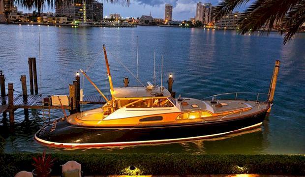 Världsstjärna skänkte bort mångmiljonbåt till välgörenhet