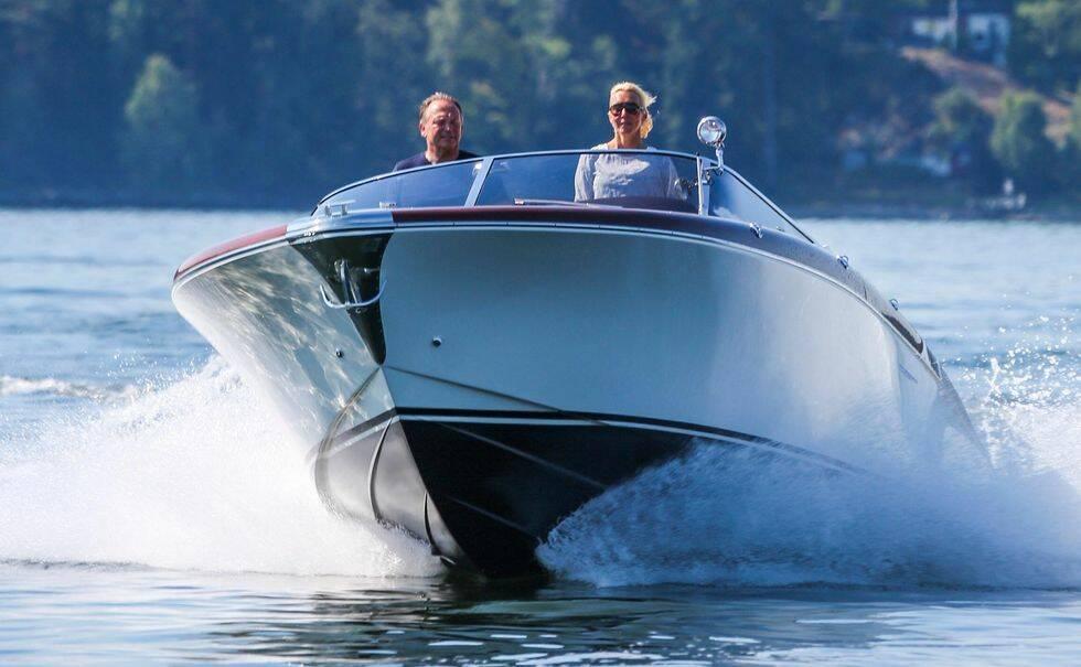 Bilder: Vi kör Riva 33 Aquariva Super