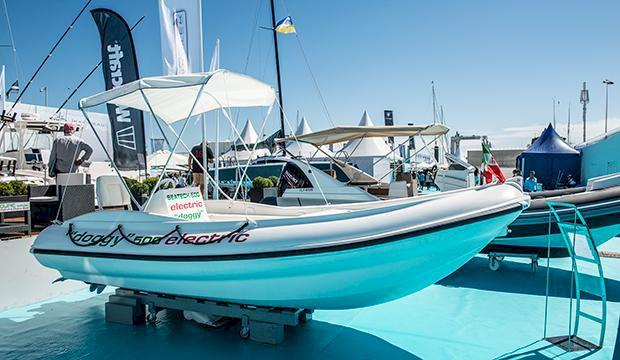 Vi kollar in lyxiga båtmässan i Cannes