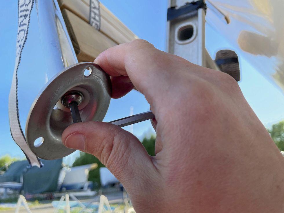 Guide: Montera badplattform på båt med positiv akter