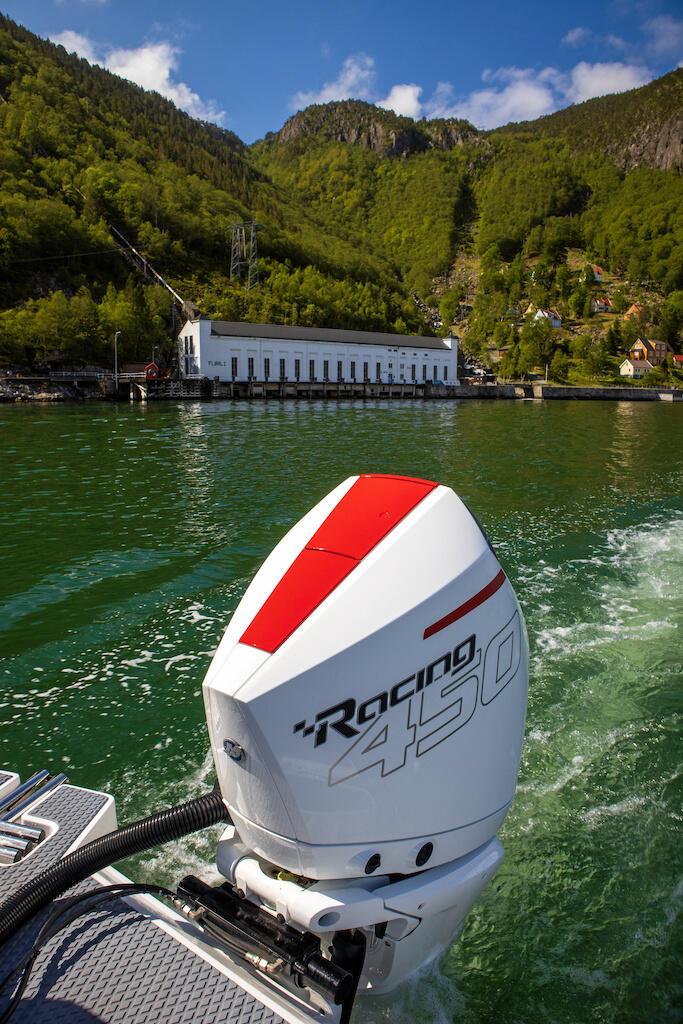 Test: Hypersnabb hyttbåt